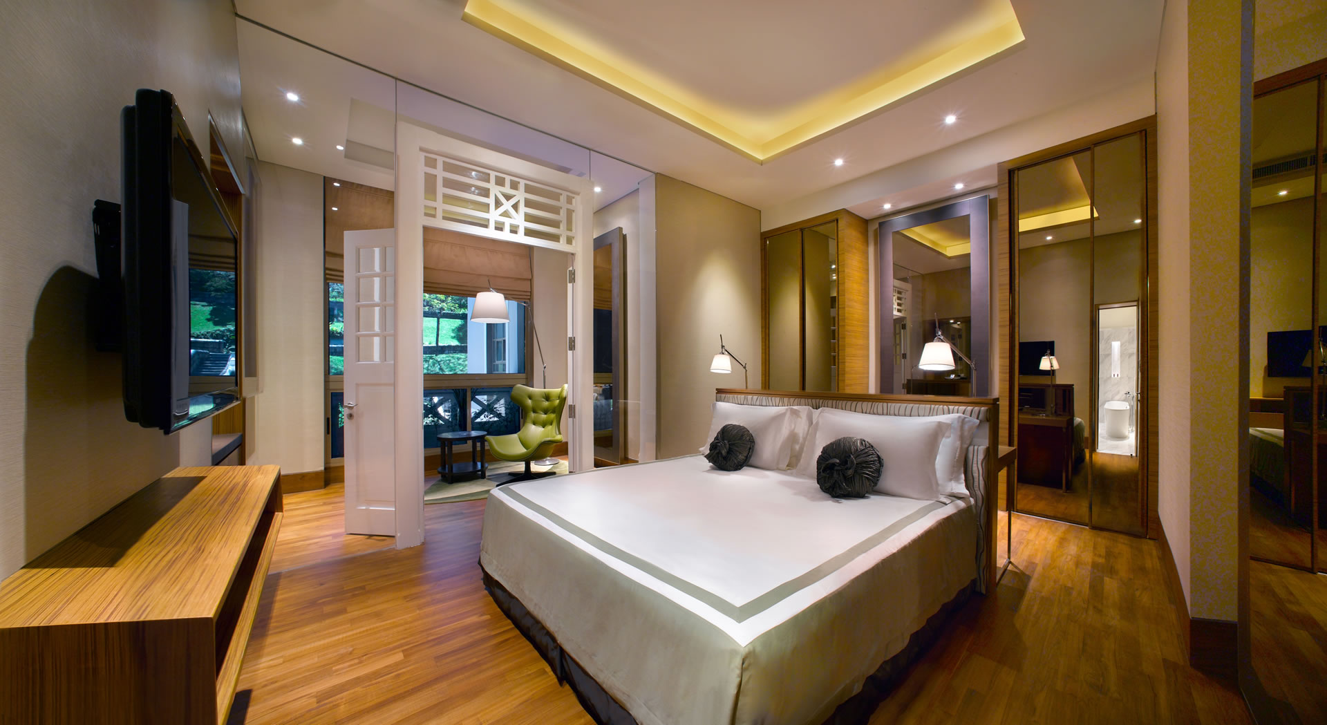 hotel fort canning an urban oasis in the city. Black Bedroom Furniture Sets. Home Design Ideas